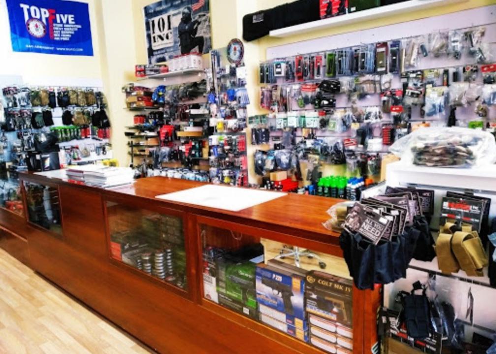 Tot Airsoft amplía con 80m2 de tienda con una galería de tiro Tiendas